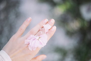 dobre odżywki do paznokci